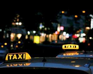 Tomarse un taxi