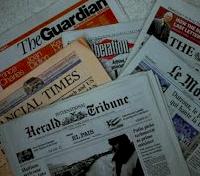 Foto de Compras en el puesto de diarios